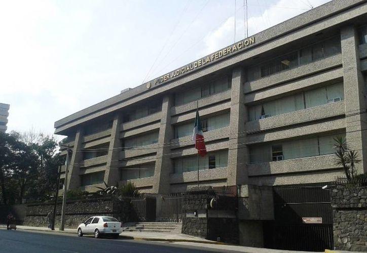 El Consejo de la Judicatura Federal (CJF) presentó una denuncia de hechos ante la Procuraduría General de la República (PGR) e inició indagatorias administrativas, por presuntos actos irregulares en el área administrativa. Imagen de contexto del edificio de Poder Judicial de la Federación. (Google)