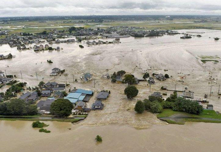 Asia es un continente principalmente afectado por fenómenos naturales como las inundaciones. En los próximos años esto podría alcanzar un nivel catastrófico debido al descongelamiento de los polos a causa del cambio climático. (Archivo AP)