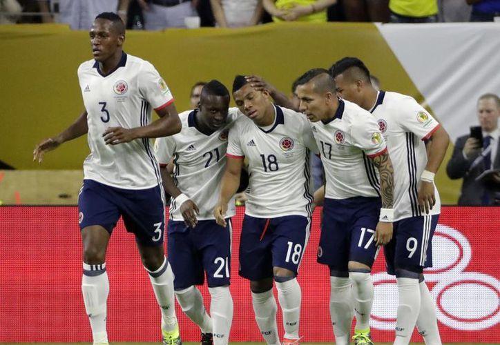 Colombia terminó como segundo de su grupo mientras que Ecuador primero, por lo que éste será un duelo de poder a poder. (AP)
