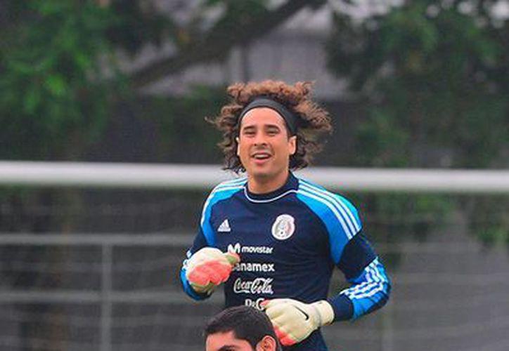 Aunque oficilamente mañana se dará a conocer el nombre del portero titular, todo indica que será Guillermo Ochoa. (excelsior.com.mx/mexsport)