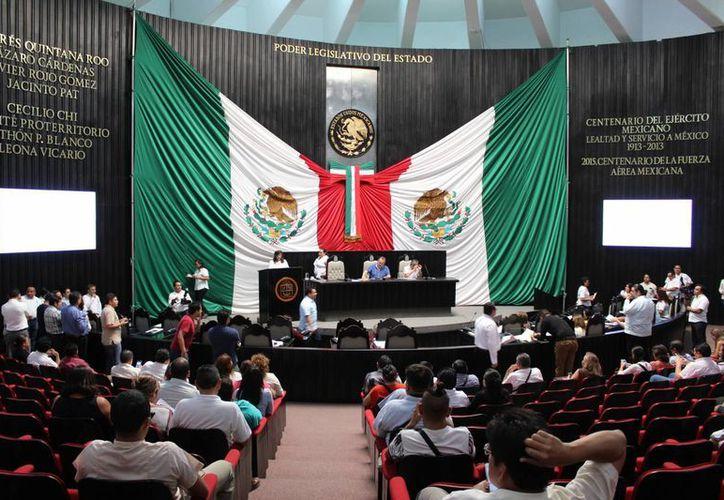 En sesión de ayer, el Congreso comenzó a utilizar el Sistema de Asistencia Legislativa. (Foto: Eddy Bonilla)
