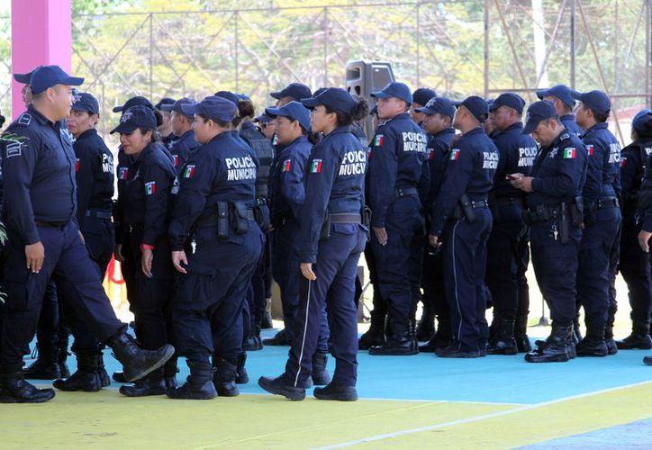 El propósitos para el 2018, es lograr que todos los elementos policiacos cuenten con el Certificado Único Policial. (Joel Zamora/SIPSE)
