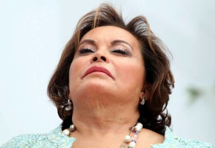 Elba Esther Gordillo ha desarrollado hernias en la columna debido a la falta de movilidad, según reveló su abogado. (Archivo/SIPSE)