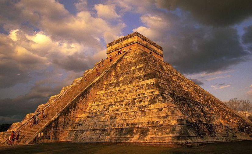 Internet se convirtió en el último refugio de quienes buscan eludir el fin del mundo profetizado por los mayas. (elblog.com)