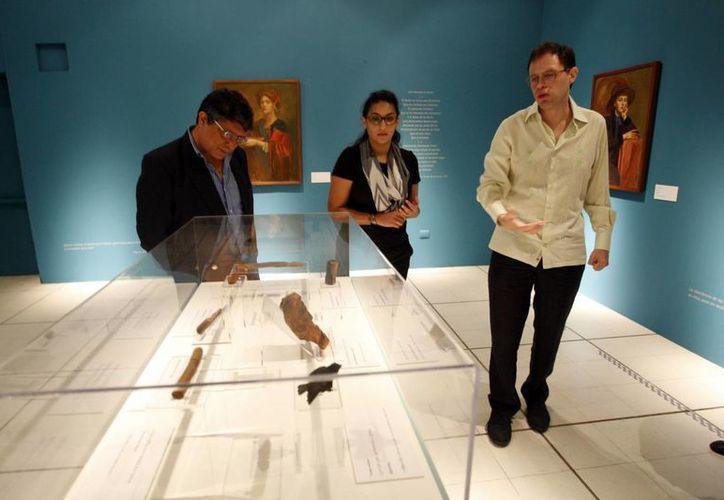 Las obras de Gibran Khalil Gibran vienen procedentes del Museo Soumaya. (César González/SIPSE)