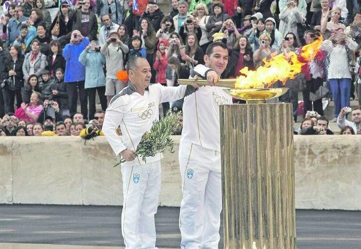 Un refugiado sirio será el protagonista junto a la llama olímpica cuando comience su camino a Brasil tras encenderse en Olimpia el 21 de abril ante el templo de la diosa Hera. (Imagen de contexto/ EFE)