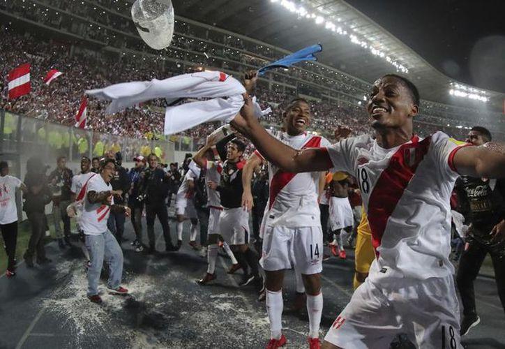 La selección clasificó a la Copa del Mundo por primera ocasión en 34 años. (Foto: Univisión)