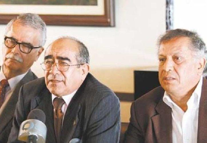 Grupo de profesores del Instituto Politécnico Nacional que apoyan las propuestas de alumnos de esa casa de estudios. (Milenio)