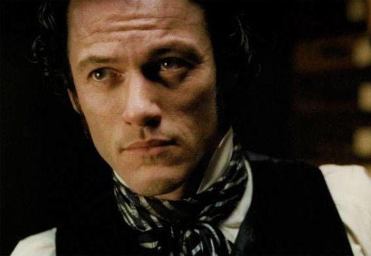 Luke Evans: Drácula también es un hombre que ama, es un padre, es esposo, es líder, es guerrero y protector de su gente, y está bajo amenaza. (scifinow.co.uk)