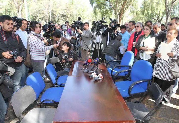 Los jóvenes que mantienen tomadas las instalaciones de la Dirección General del CCH rechazaron reanudar el diálogo. (Notimex)