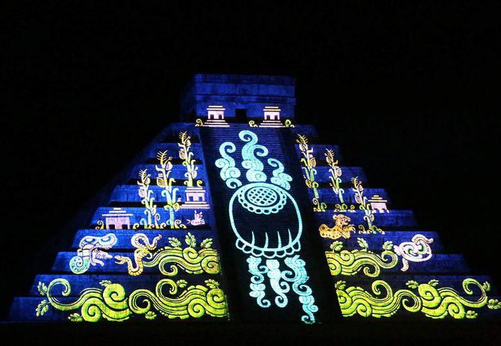 Cultura informó este jueves que las 'Noches de Kukulcán' ofrecerán doble función durante los sábados y domingos de noviembre. (Notimex)