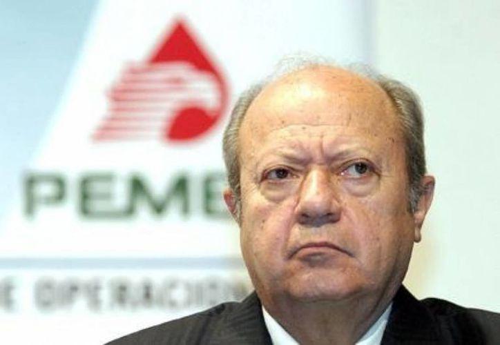 Los trabajadores de Pemex 'sólo sirven a la institución', señaló Romero Deschamps. (Archivo/Notimex)
