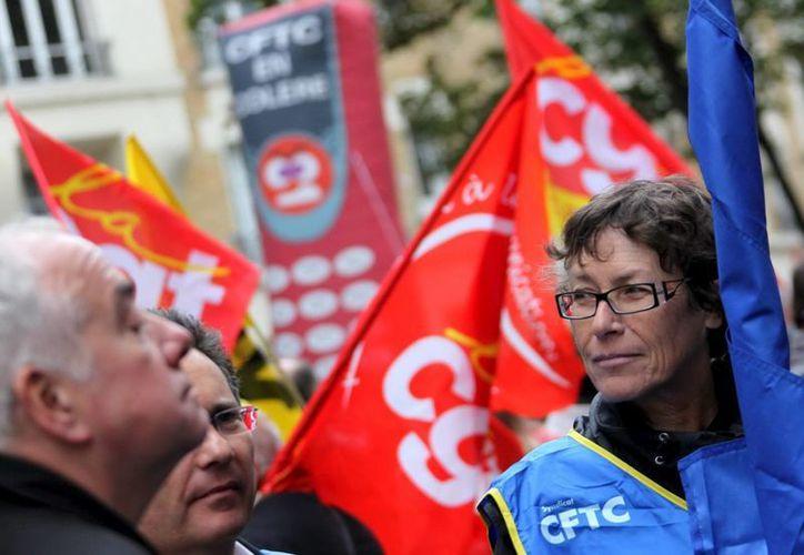 Las protestas se hicieron presentes a las afueras de la empresa. (Foto: Archivo)