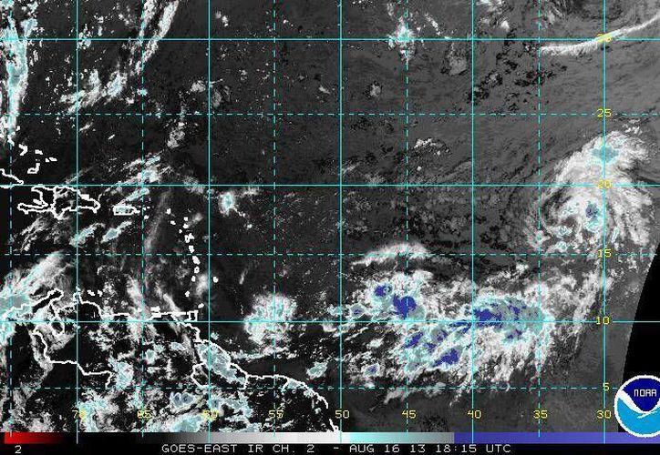 Meteorólogos vaticinan que Erin mantenga su misma trayectoria en las próximas 48 horas. (ssd.noaa.gov)