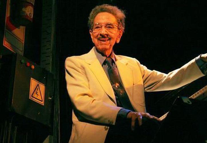 Horacio Salgán, uno de los referentes del tango argentino, falleció a los 100 años de edad. (clarin.com)