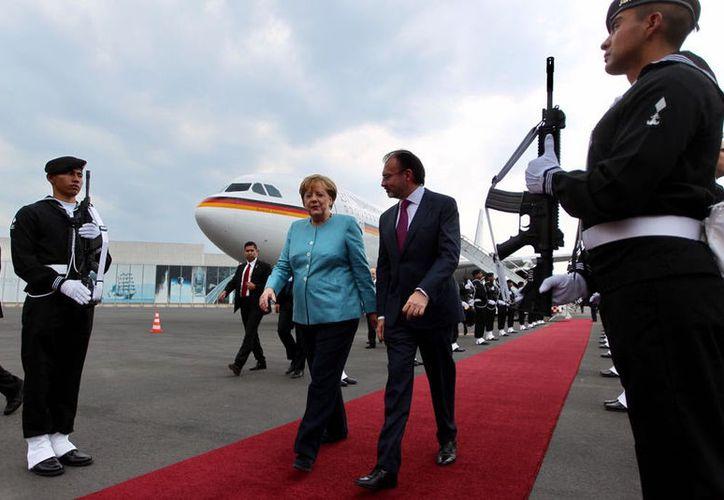 Angela Merkel, canciller alemana, llegó la tarde de este viernes a México. (SRE).