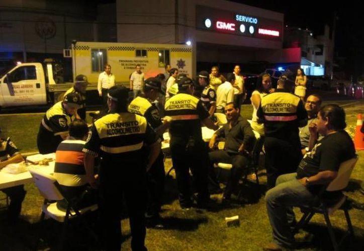 Durante el operativo de seguridad Guadalupe-Reyes en Cancún se levantaron más de 3 mil infracciones. (Archivo/SIPSE)