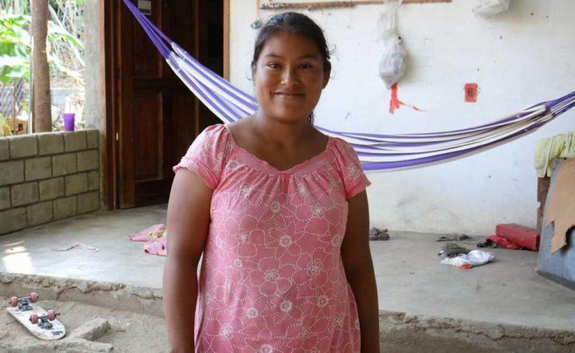 Laura Jarquín comenzó a sentir intensos dolores luego de esperar más de 30 minutos fuera de la clínica. (pinodebate.blogspot.mx)