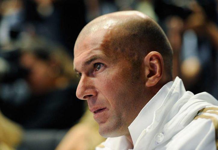 Zinedine tendrá injerencia, junto con el nuevo entrenador, en las contrataciones.  (zimbio.com/Archivo)