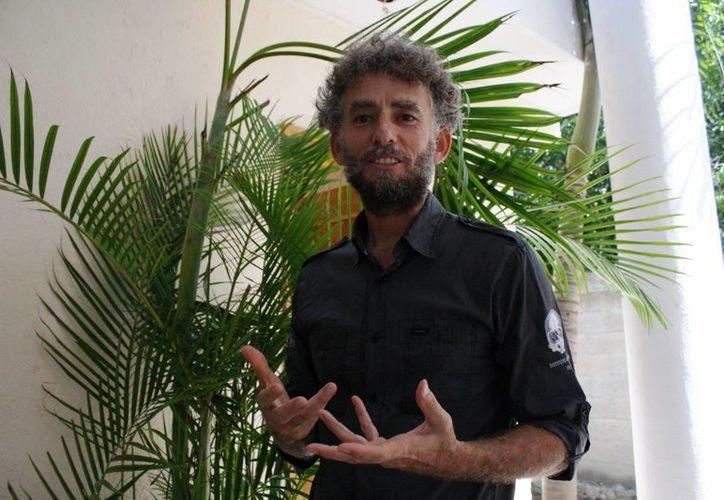 Jerónimo Avilés Olguín es un buzo profesional que escogió Quintana Roo para eclipsar su carrera. (Octavio Martínez/SIPSE)