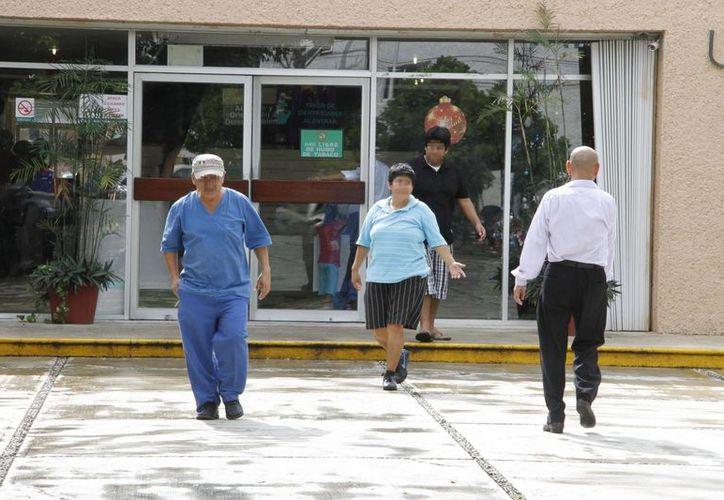 La clínica tiene un registro de 138 mil derechohabientes de los cuales el 32.8% tiene un grado de obesidad y el 15.2% tiene sobrepeso. (Tomás Álvarez/SIPSE)