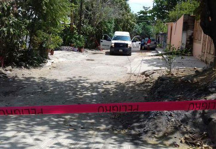 Un jefe policíaco municipal a bordo de un auto fue perseguido por hombres armados en una camioneta. (Javier Trujillo)