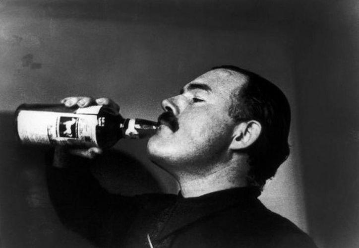 Ernest Hemingway utilizó la literatura para retratar las experiencias de su vida como periodista. (MILENIO/Archivo)