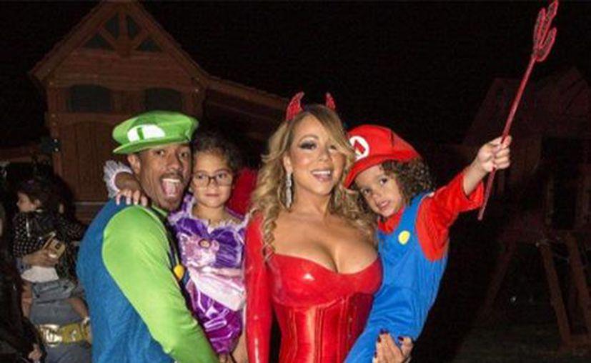 Mariah Carey sorprende año con año con sensuales disfraces para celebrar el Halloween. (Europa Press)