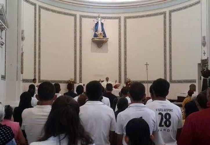 En todo el mundo se celebró ayer la Presentación de la Virgen María. Imagen de contexto de una misa en honor a María Santísima. (Milenio Novedades)