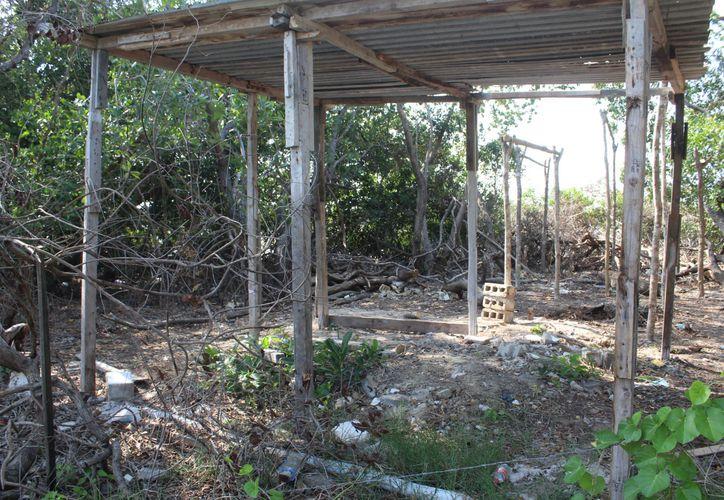 Construcciones de todo tipo se aprecian en la zona. (Gerardo Keb/Novedades Yucatán)