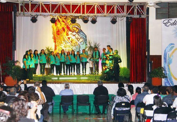 Los 18 coros participantes vienen de municipios y grupos apostólicos. (Milenio Novedades)