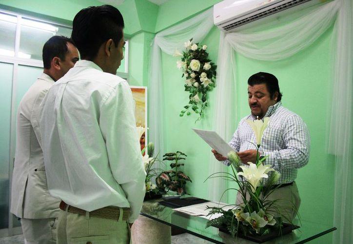 El personal del Registro Civil está capacitado para atender a este tipo de parejas. (Octavio Martínez/SIPSE)