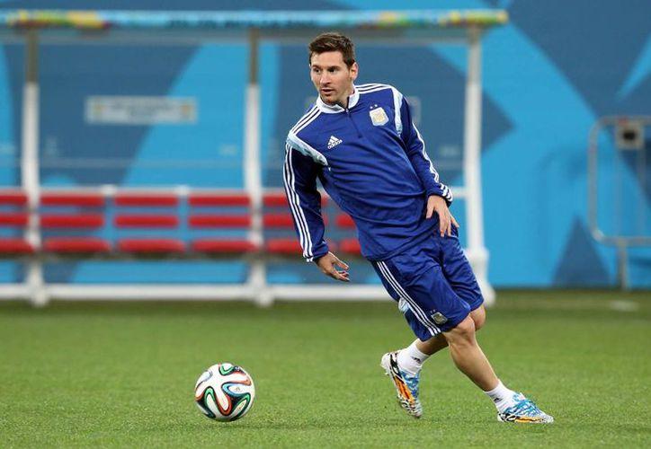 Lionel Messi está por jugar dos partidos amistoso ante Croacia y Portugal, por lo que si anota se acercará aún más a Gabriel Batistuta como máximo goleador en la historia de la Selección de Argentina. (Foto de archivo de Notimex)
