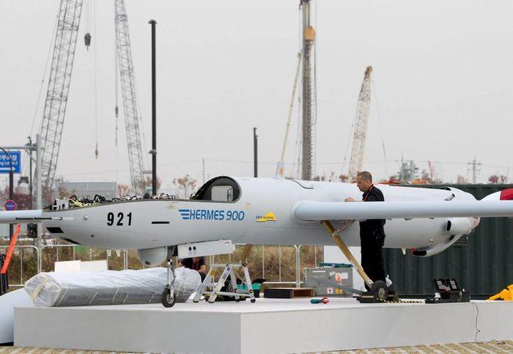 La aeronave tiene una autonomía de 30 horas de vuelo y cuenta con 10 cámaras de alto alcance. (Foto: EFE)