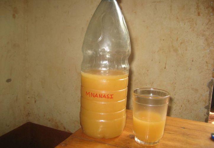 La bebida tradicional de Mozambique contaminada fue preparada por una mujer que también falleció al consumirla. (Imagen de referencia/lostintanzania.com)