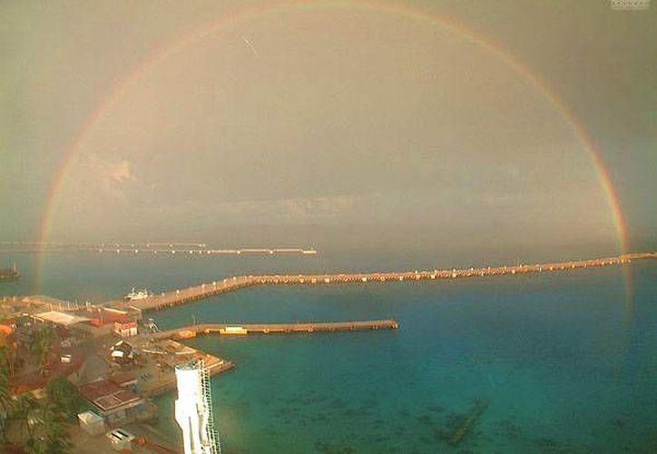 El fenómeno natural fue fotografiado por las cámaras de Webcams de México. (Cotesía/Twitter)