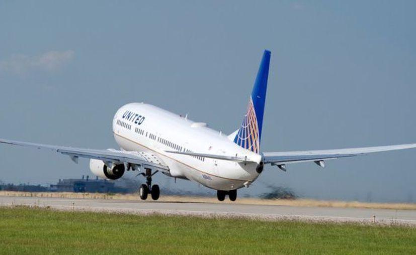 El avión partió de la puerta 13 a las 10:12 horas de Venezuela del aeropuerto Internacional de Maiquetía Simón Bolívar y aterrizó en Houston. (BBC)