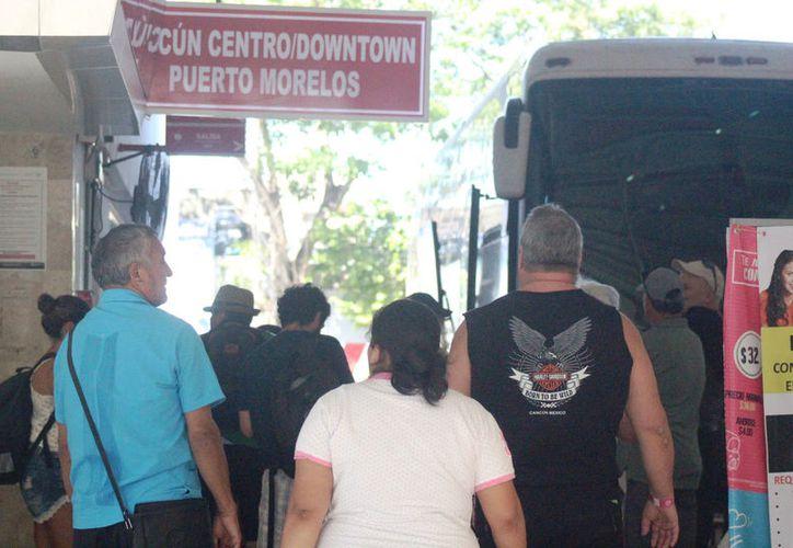Alrededor de tres mil personas están ingresando a Playa del Carmen diariamente. (Foto: Octavio Martínez)