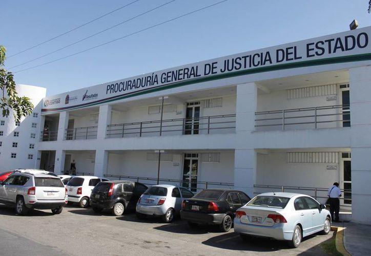 Aproximadamente 55 elementos, entre policías judiciales, agentes del ministerio público y personal administrativo, han sido dados de baja de la corporación. (Enrique Mena/SIPSE)