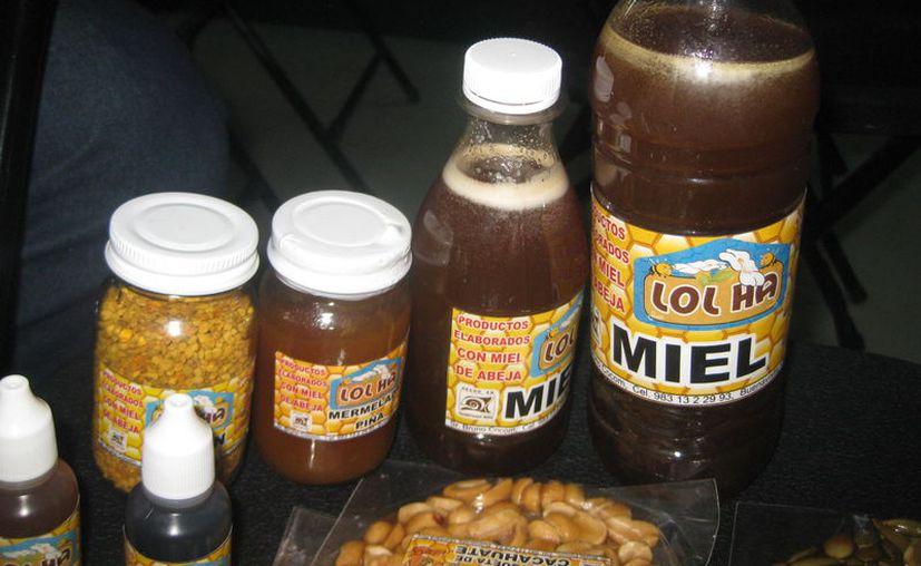 Se impulsó la producción de miel en la entidad. (Daniel Tejada/SIPSE)