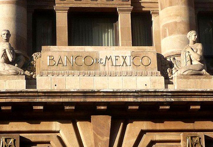 El Banco de México vendió, a principios de marzo, coberturas cambiarias por la totalidad de los mil millones de dólares. (Contexto/Internet)