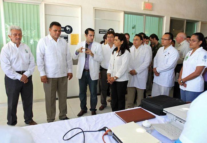 El Gobernador recorrió las instalaciones del Hospital de la Amistad. (Cortesía)