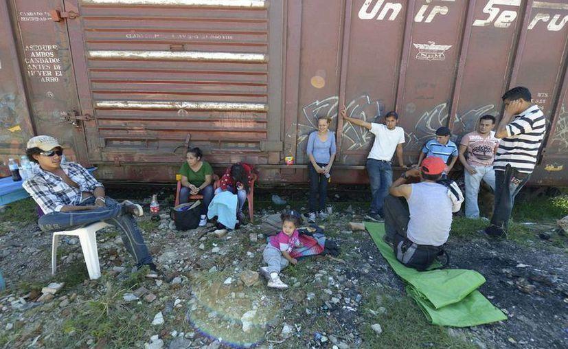 En el ataque habría muerto un migrante y el maquinista, el cual fue baleado por negarse a detener el tren. (Archivo Notimex)