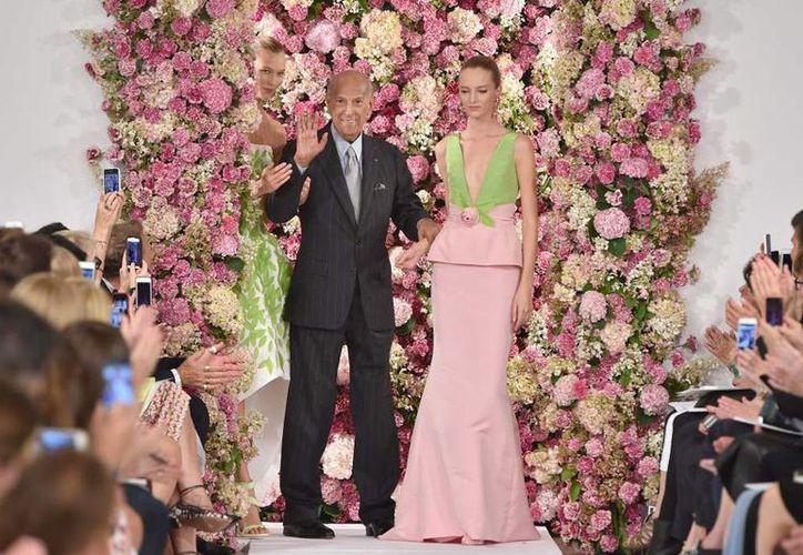 Familia y colegas de la industria de la moda indicaron que Oscar de la Renta falleció en la ciudad de Connecticut, aquejado de cáncer. (laprensa.hn)