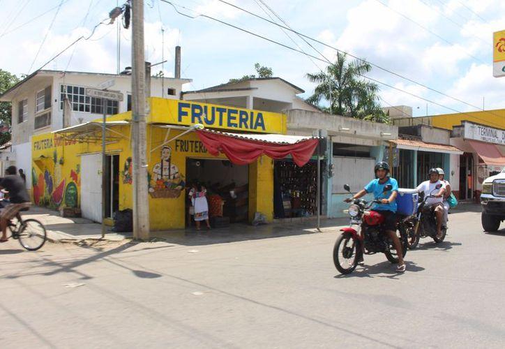 Ahora se puede encontrar hasta en 30 pesos el kilo de limón en las fruterías. (José Chi/SIPSE)