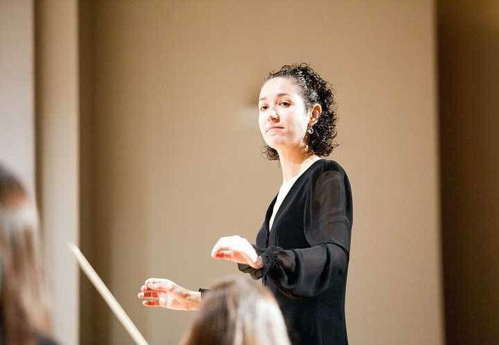 La española Beatriz Fernández Aucejo dirigirá la Orquesta Sinfónica de Mújeres de México. (nuestrasbandasdemusica.com)