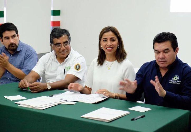 La delegada de Sedesol en el estado, reconoció la labor del Tecnológico de Felipe Carrillo Puerto al apoyar en la elaboración de proyectos productivos para que tengan mayor éxito. (Foto: INTERNET)
