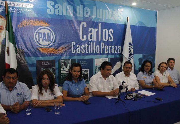 Dirigentes y candidatos del blanquiazul ofrecieron una conferencia de prensa. (Archivo/SIPSE)