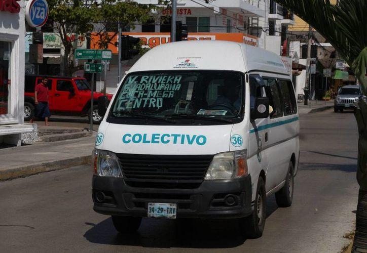 A partir de abril los trabajadores de la zona turística de Playa del Carmen contarán con transporte nocturno. (Adrián Barreto/SIPSE)