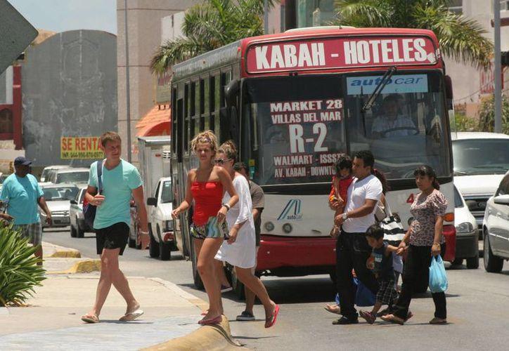 El sector hotelero está consciente de que el turismo nacional es el que saca adelante las ocupaciones en temporada baja.  (Israel Leal/SIPSE)